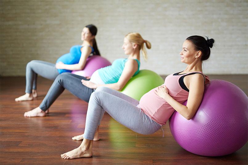 Pregnant women pilates class